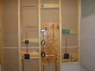 Inner wall plumbing